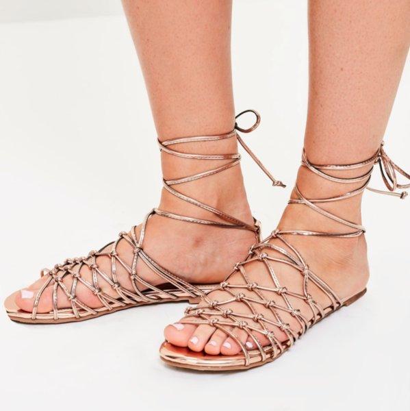 Златни преплетени сандали MELISSA