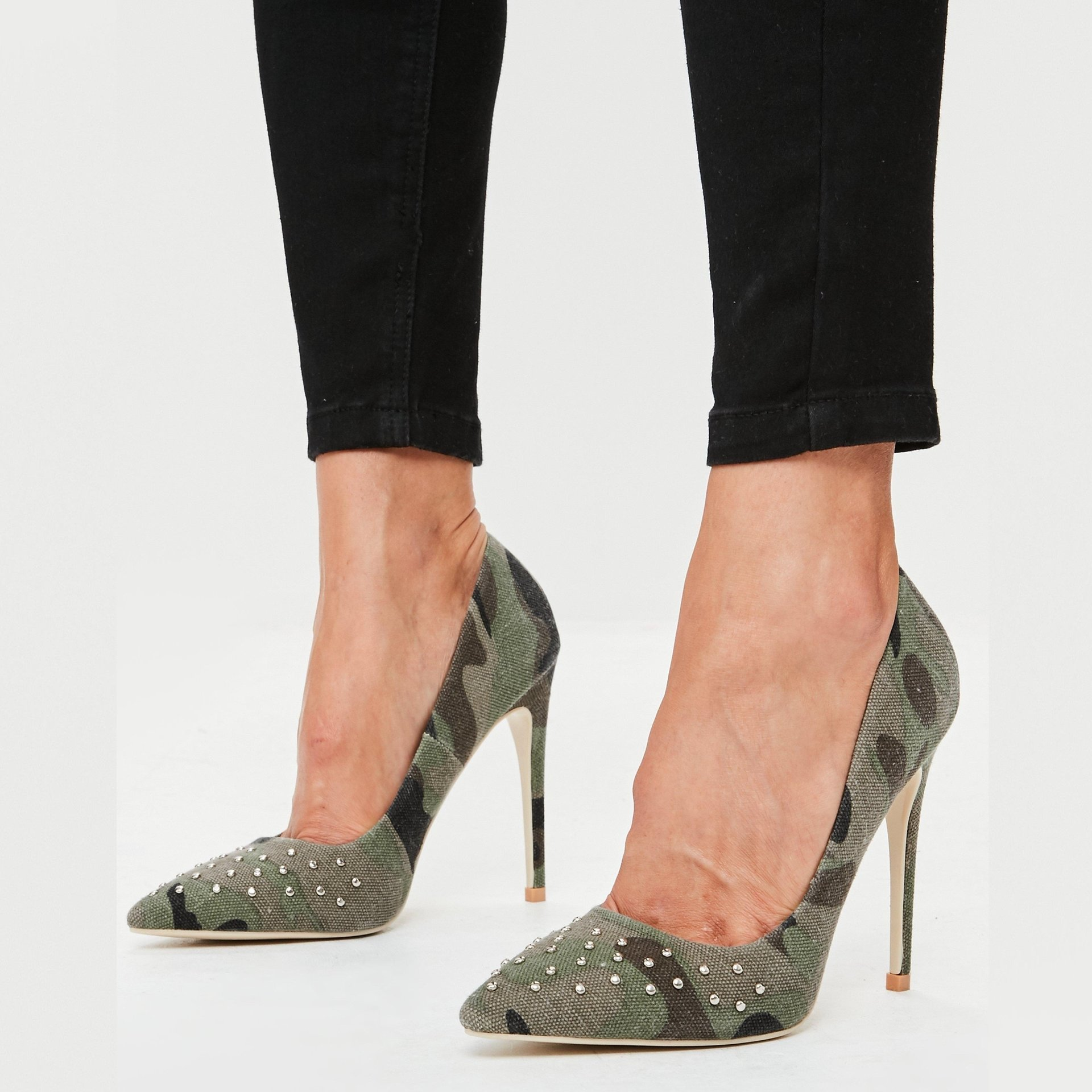 Обувки в камуфлажен десен ARMY