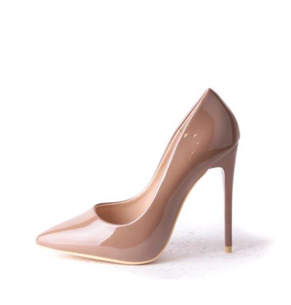 Телесни лачени обувки FIERCE - каки цвят