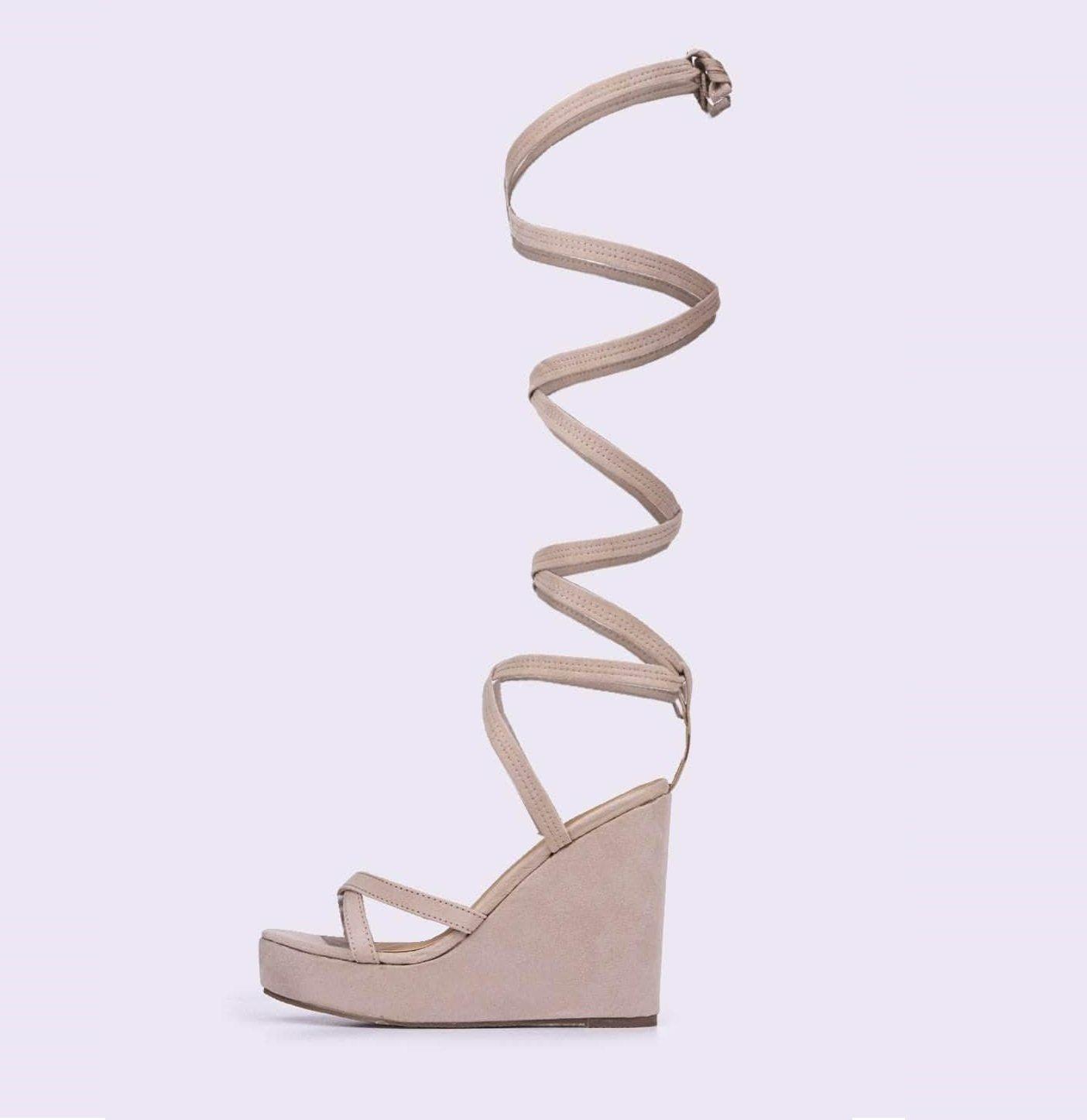 Бежови велурени сандали  на платформа GINGER