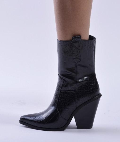 Черни кожени ботуши с каубойски ток AMANDA