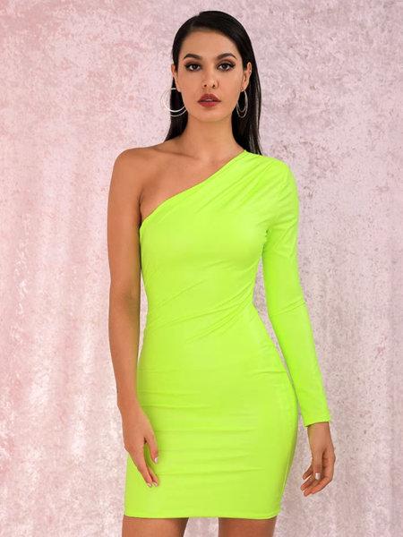 Кожена мини рокля Марчела с един ръкав във флуоресцентен зелен цвят