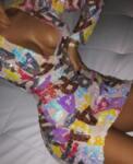 Асиметрична рокля с бродирани букви Мелани
