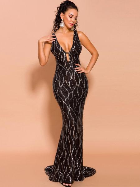 Пайетена абитуриентска рокля Дивна с дълбоко V-образно деколте