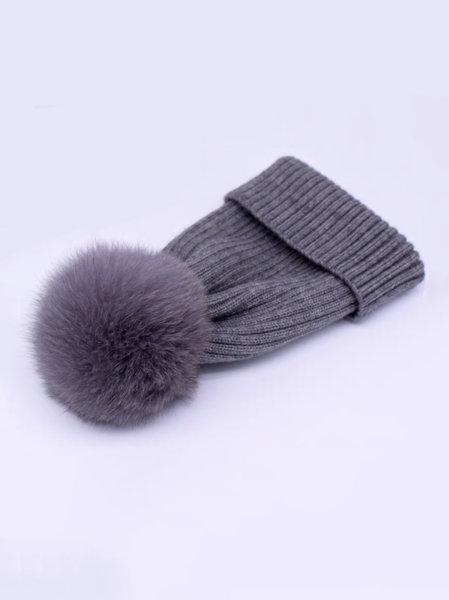 Вълнена дамска шапка с огромен пух от лисица в сив цвят