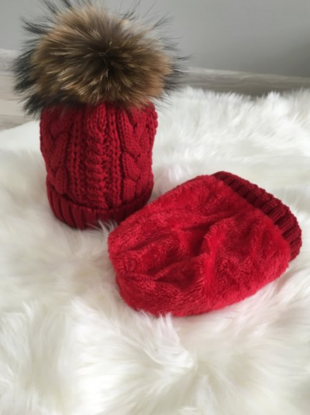 Плетена дамска шапка Алекса в цвят бордо