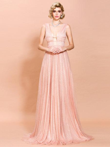 Дълга рокля Клара в бебешко розов цвят
