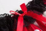 Еротично дамско бельо Виктория с отворено дъно с перли в черен цвят - прашка-Copy
