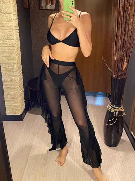 Бански костюм от три части с панталон Люсия в черен цвят