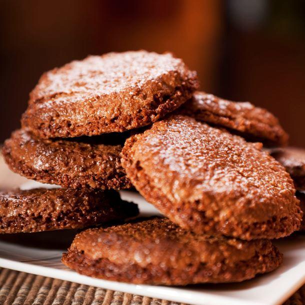 Лесни орехови сладки с какао без печене