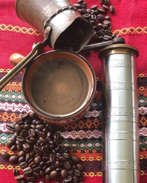 Приготвяне на вкусно и ароматно кафе :)
