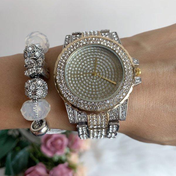 Луксозен дамски часовник с кристали модел W78