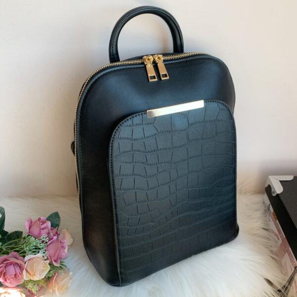 Черна  кожена дамска Чанта/Раница Модел-6520-Copy