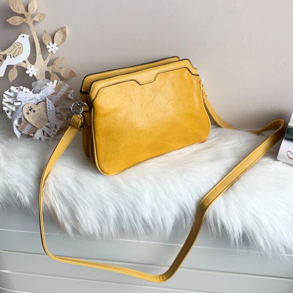 Дамска жълта чанта с три прегради модел-2296