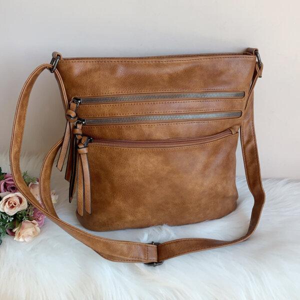 Дамска кожена кафява чанта Модел-Е 7402