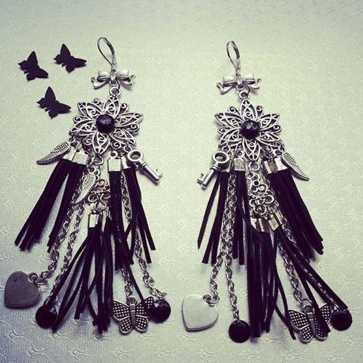 Обеци Черни велури с пеперуди и черни камъни сребристи
