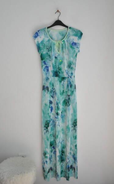 Ефирна дълга рокля в леко разкроен силует с къс ръкав (второ качество)