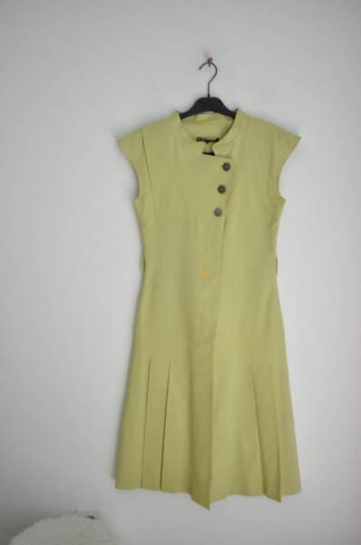 Зелена дамска рокля с плисета и столче яка (второ качество)