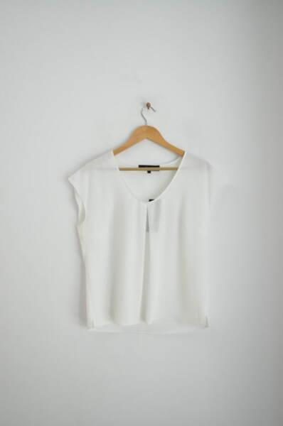 Дамска блуза с леко паднало ръкавче