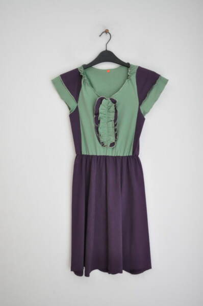 Трикотажна рокля с жабо (второ качество)