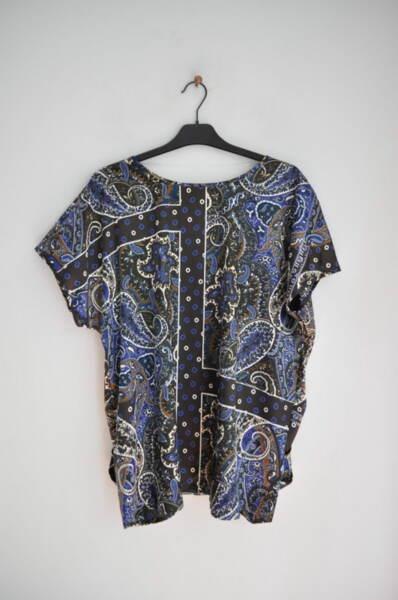Дамска блуза с ефектен принт