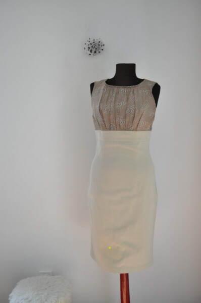 Бежова дамска рокля с втален силует (второ качество)