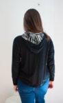 Дамска черна блуза с качулка