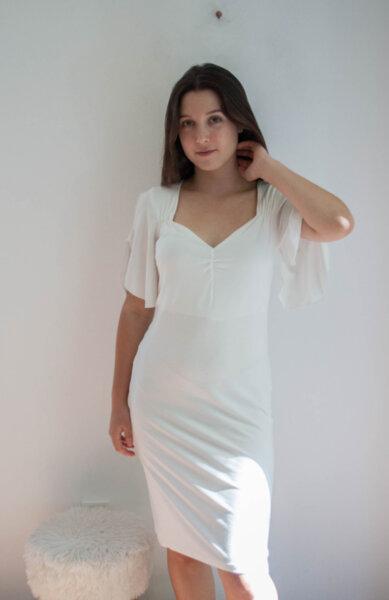 Бяла дамска рокля с нежни ръкави (второ качество)