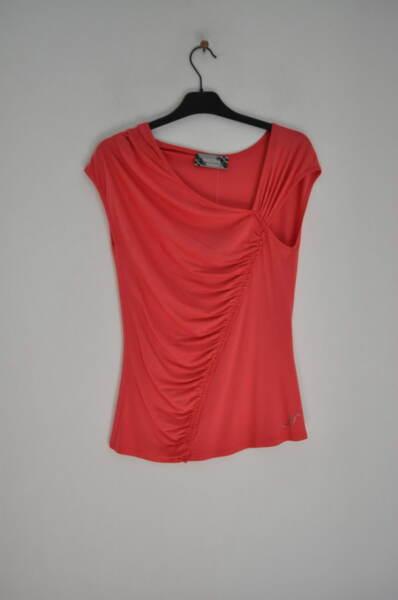Дамска блуза с нежни набори (второ качество)