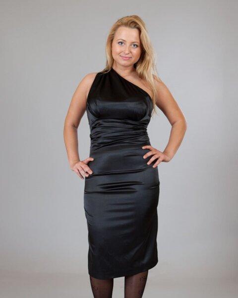 Ефектна рокля в черно (второ качество)