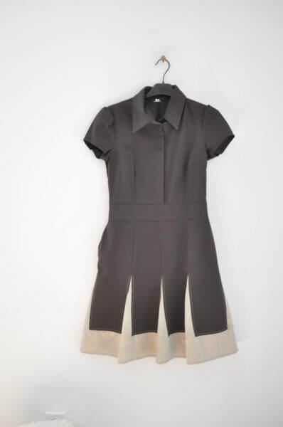 Дамска рокля в кафяво с къси ръкави
