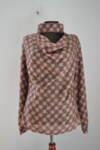 Дамска блуза с ефектна яка и гръцко деколте