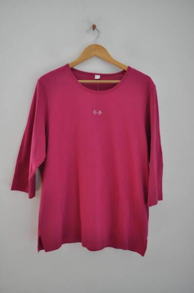 Дамска блуза с малка бродерия в циклама