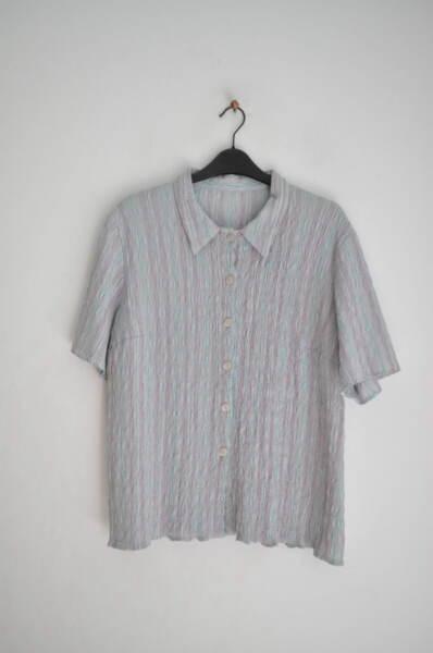 Дамка риза с къс ръкав и свободен силует