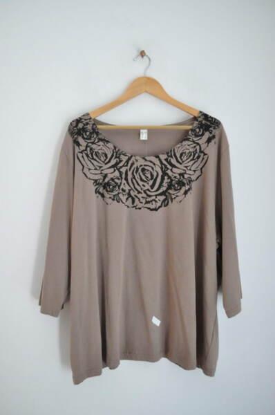 Дамска блуза с щампа на рози (второ качество)