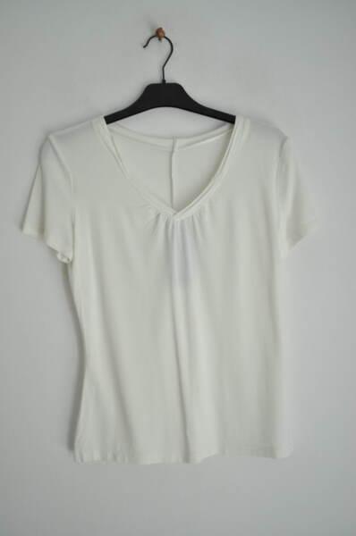 Дамска блуза с V-образно деколте (второ качество)