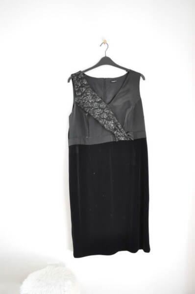 Черна дамска рокля с ефектна предна част (второ качество)