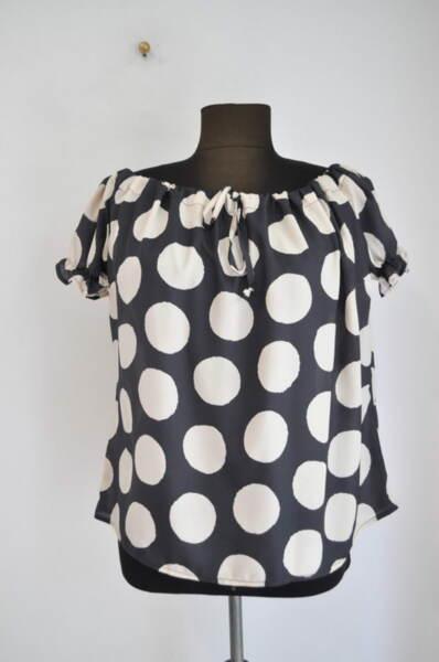 Дамска блуза на точки (второ качество)