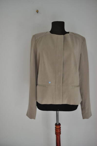 Дамско сако със скрито закопчаване (второ качество)