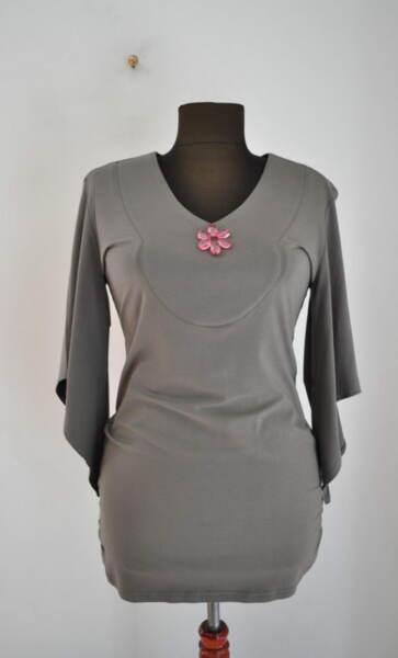 Дамска блуза с А симетрични ръкави (второ качество)