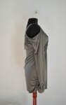 Вталена дамска блуза с ефектно V-образно деколте