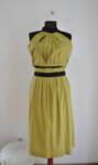 Дамска рокля с разкроена долна част и гол гръб