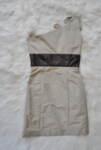 Вталена дамска рокля с панделка