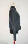 Дамско сако с асиметрично закопчаване