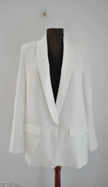 Бяло дамско сако с шал яка (второ качество)