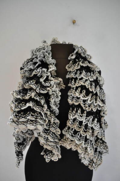 Дамски шал от плетиво