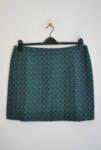 Къса дамска права пола от релефен текстил