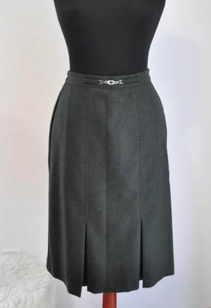 Зелена дамска пола с плохи в миди дължина