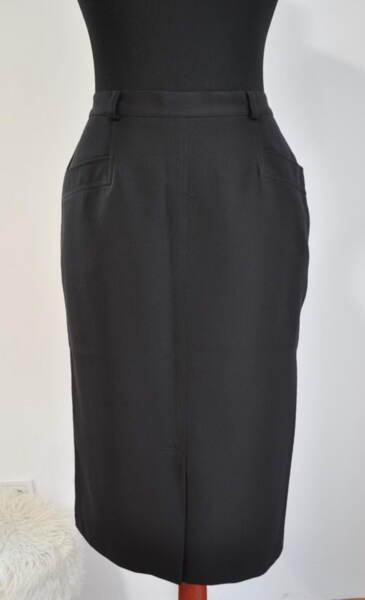 Права дамска пола с джобове под форма