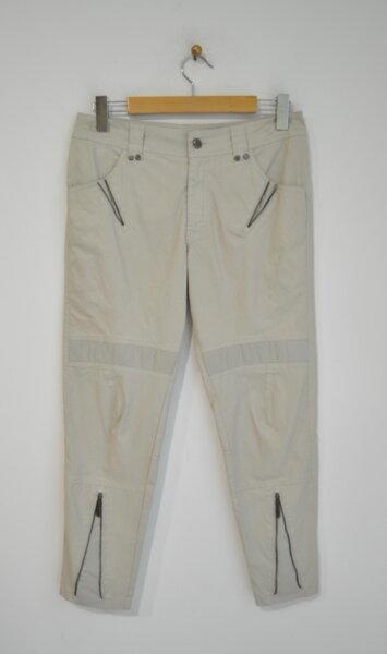Дамски панталон с декоративни ципове в бежово (второ качество)